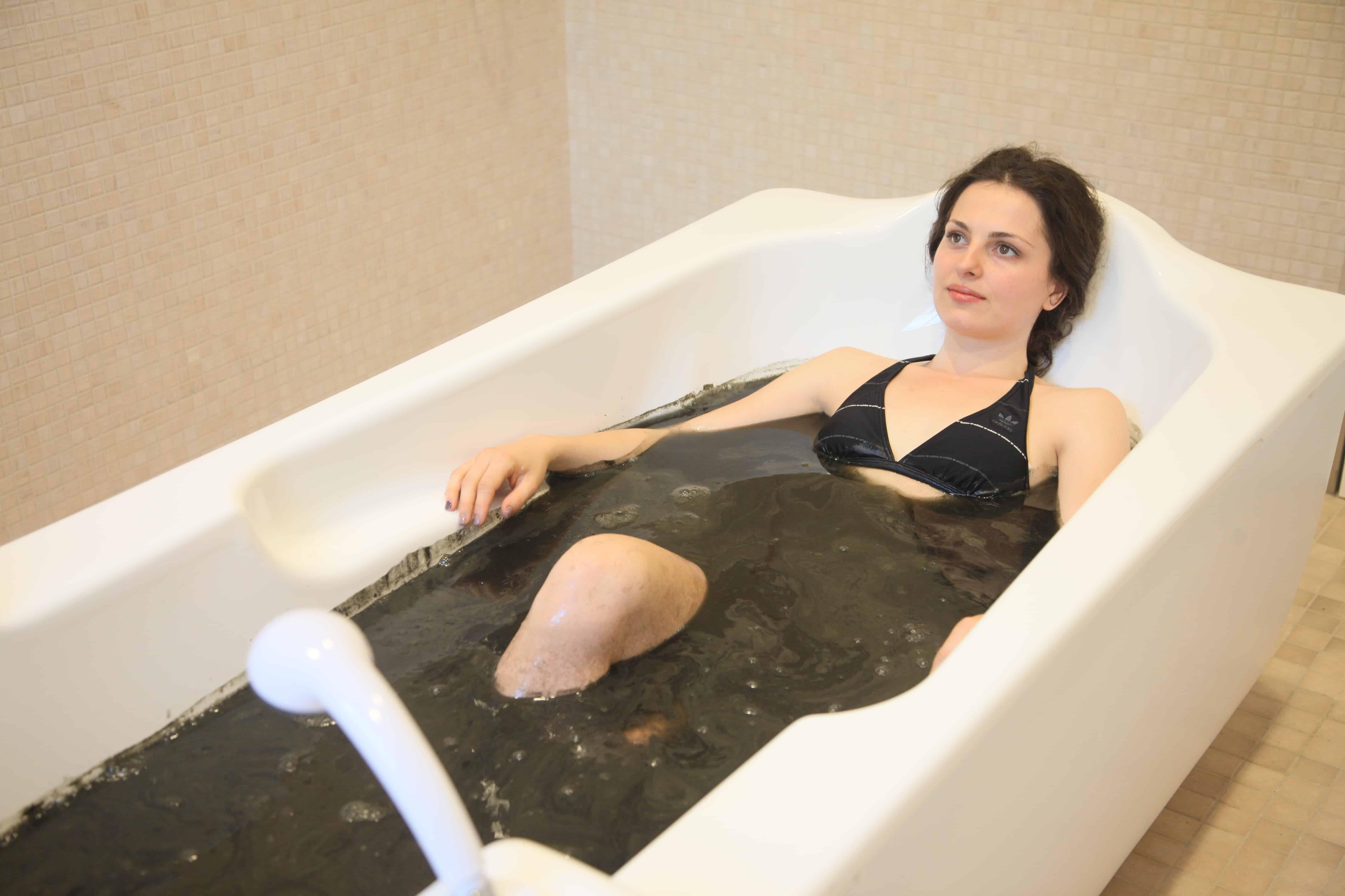 Apa foarte sărată şi nămolul de Techirghiol – printre punctele forte ale Bazei de Tratament şi Recuperare Medicală SanConfind